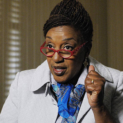does CCH Pounder have a sister