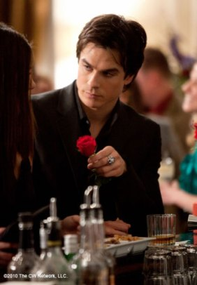 Damon-Salvatore-s242