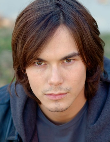 PRETTY LITTLE LIARS: Tyler Blackburn Knows Who 'A' Is and ...