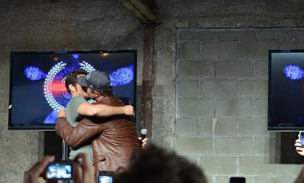 Adam Baldwin kiss Zac! (photo credit: Genevieve Collins)