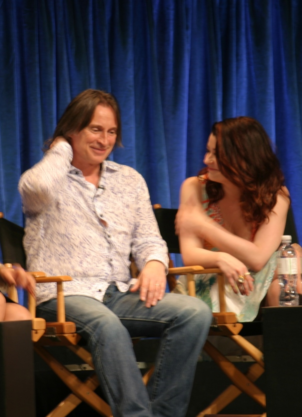 Robert Carlyle and Emile de Ravin  (photo credit: Jennifer Schadel)