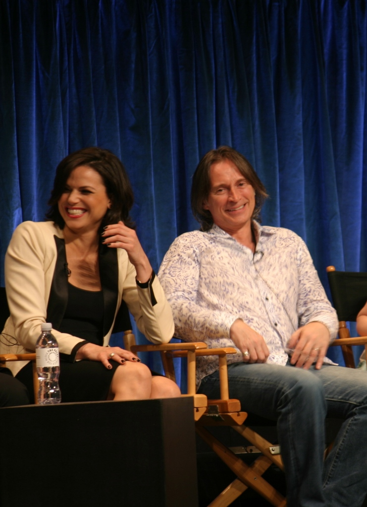 Lana Parrilla and Robert Carlyle  (photo credit: Jennifer Schadel)