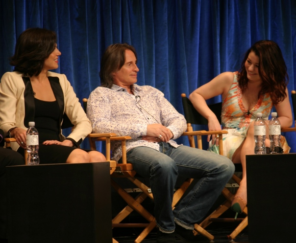 Lana Parrilla, Robert Carlyle and Emilie de Ravin  (photo credit: Jennifer Schadel)