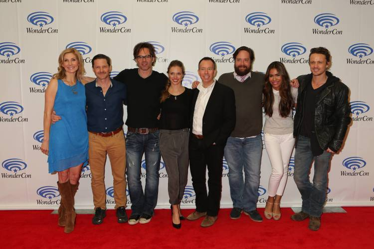 """Cast of """"Revolution"""" (©2013 Warner Bros. Entertainment, Inc. All Rights Reserved.)"""