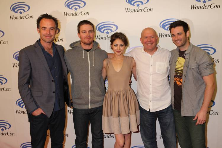 """Cast of """"Arrow"""" (©2013 Warner Bros. Entertainment, Inc. All Rights Reserved.)"""