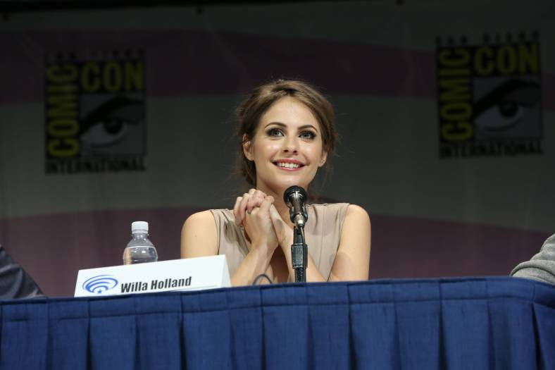Willa Holland (©2013 Warner Bros. Entertainment, Inc. All Rights Reserved.)