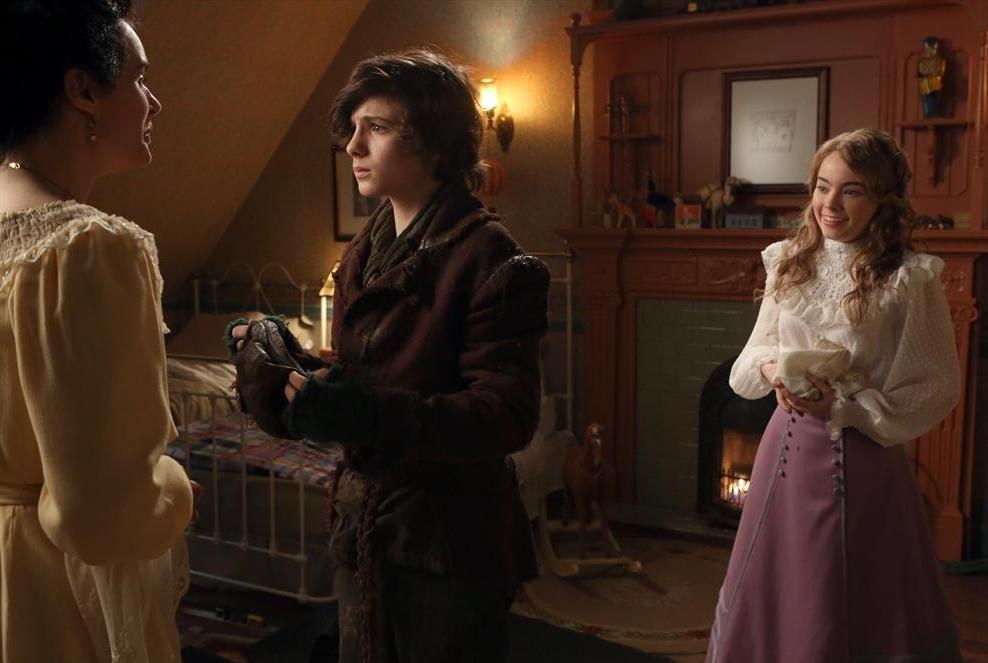 ONCE UPON A TIME: Storybrooke Meets Neverland, Baelfire ...