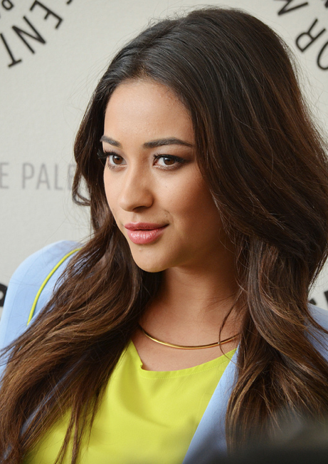 Shay Mitchell (photo credit: Genevieve Collins)