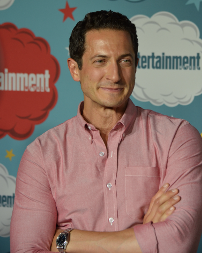 Sasha Roiz (photo credit: Genevieve Collins)