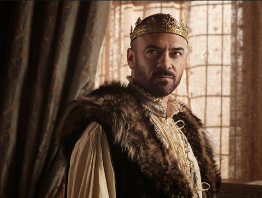 REIGN: Alan Van Sprang Loves Playing The Man of Many ...